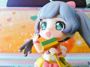 prad5 nendoroid laala with a broom