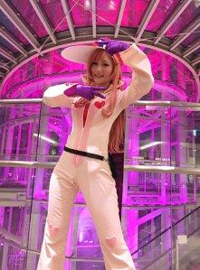 prad6 naru natsuki_botan cosplay happy naru crab pose